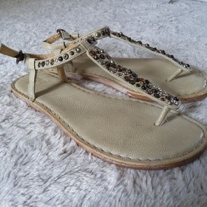 Frye Kayla Sandals Ivory Color Studded Size 8